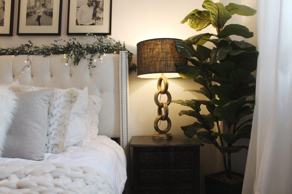 bright white bedroom, naturals, home decor, decor, neutrals, gold lamps,