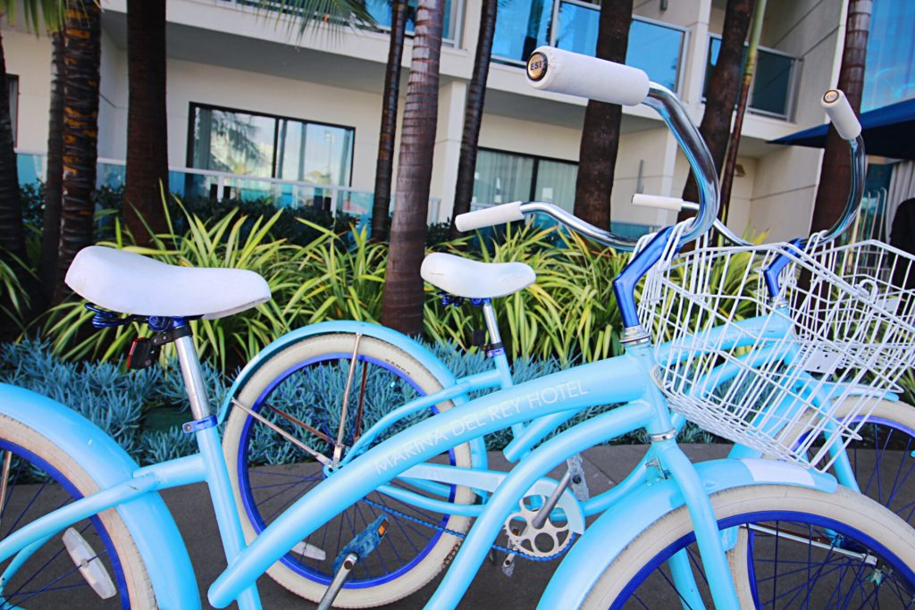 marina del rey hotel, los angeles, blue bike