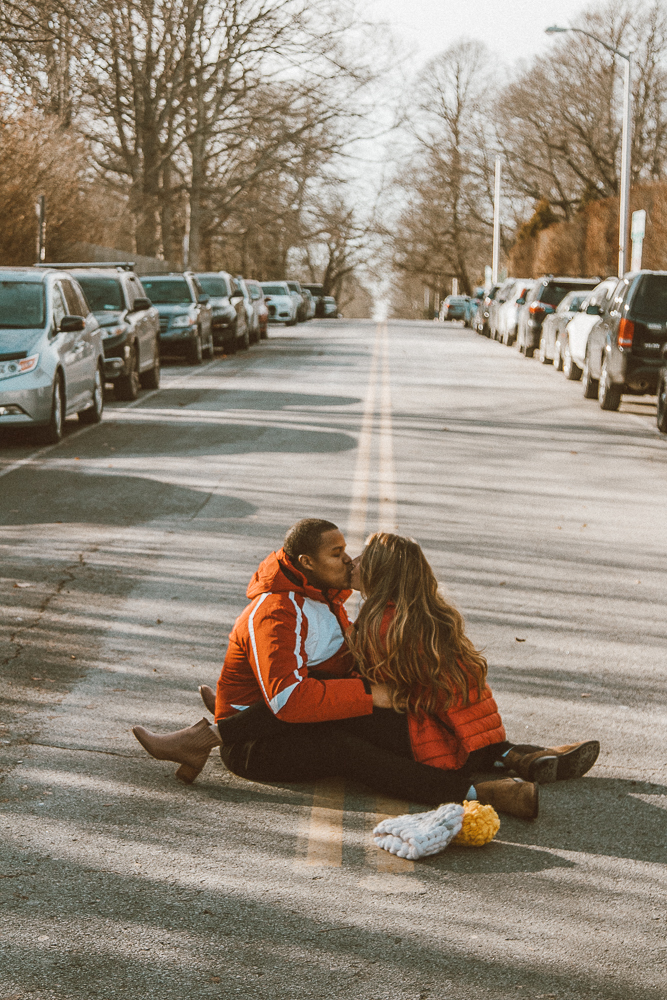 kisses in the street